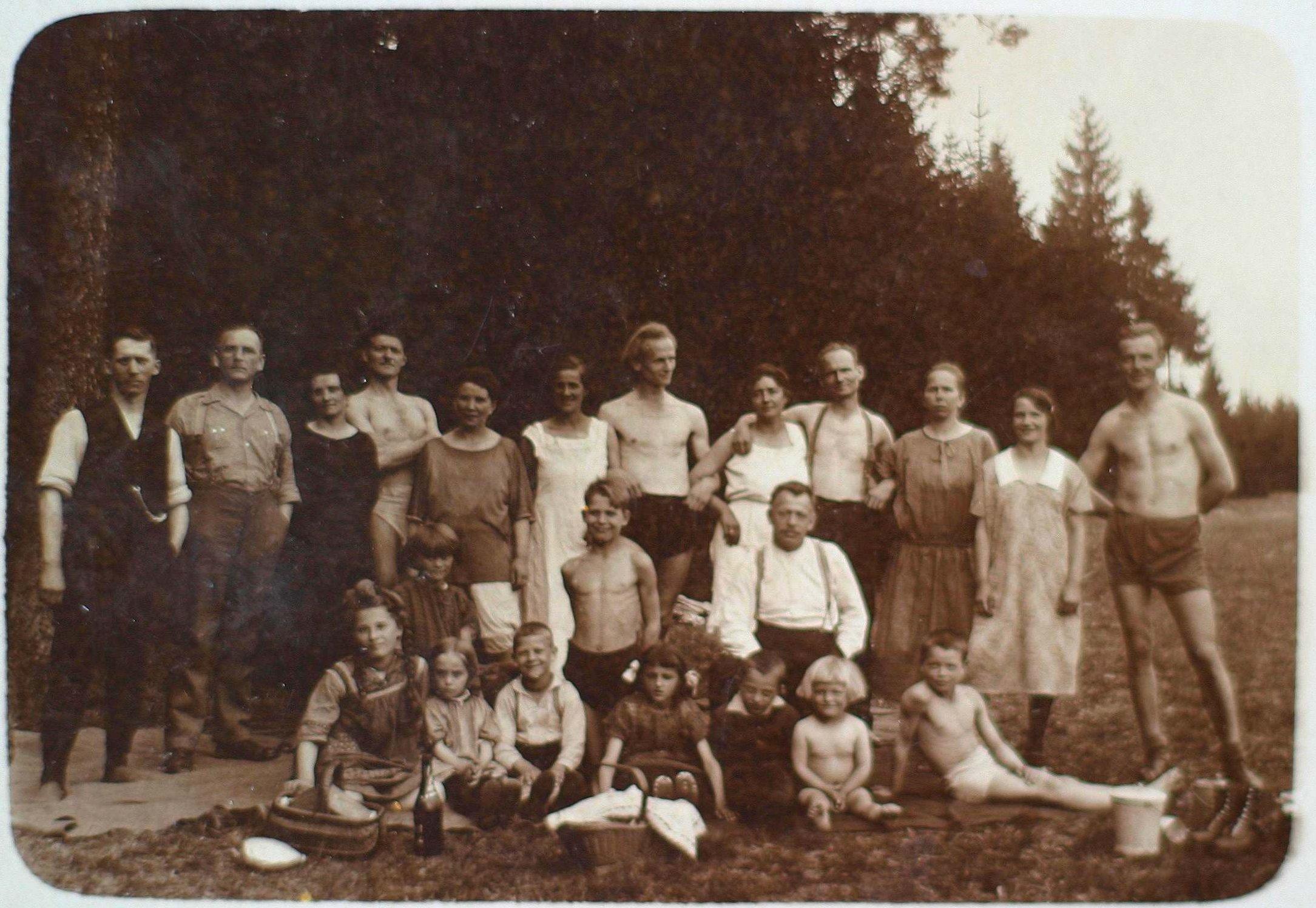 Gruppenfoto des Hüttenvereins, 1920er Jahre