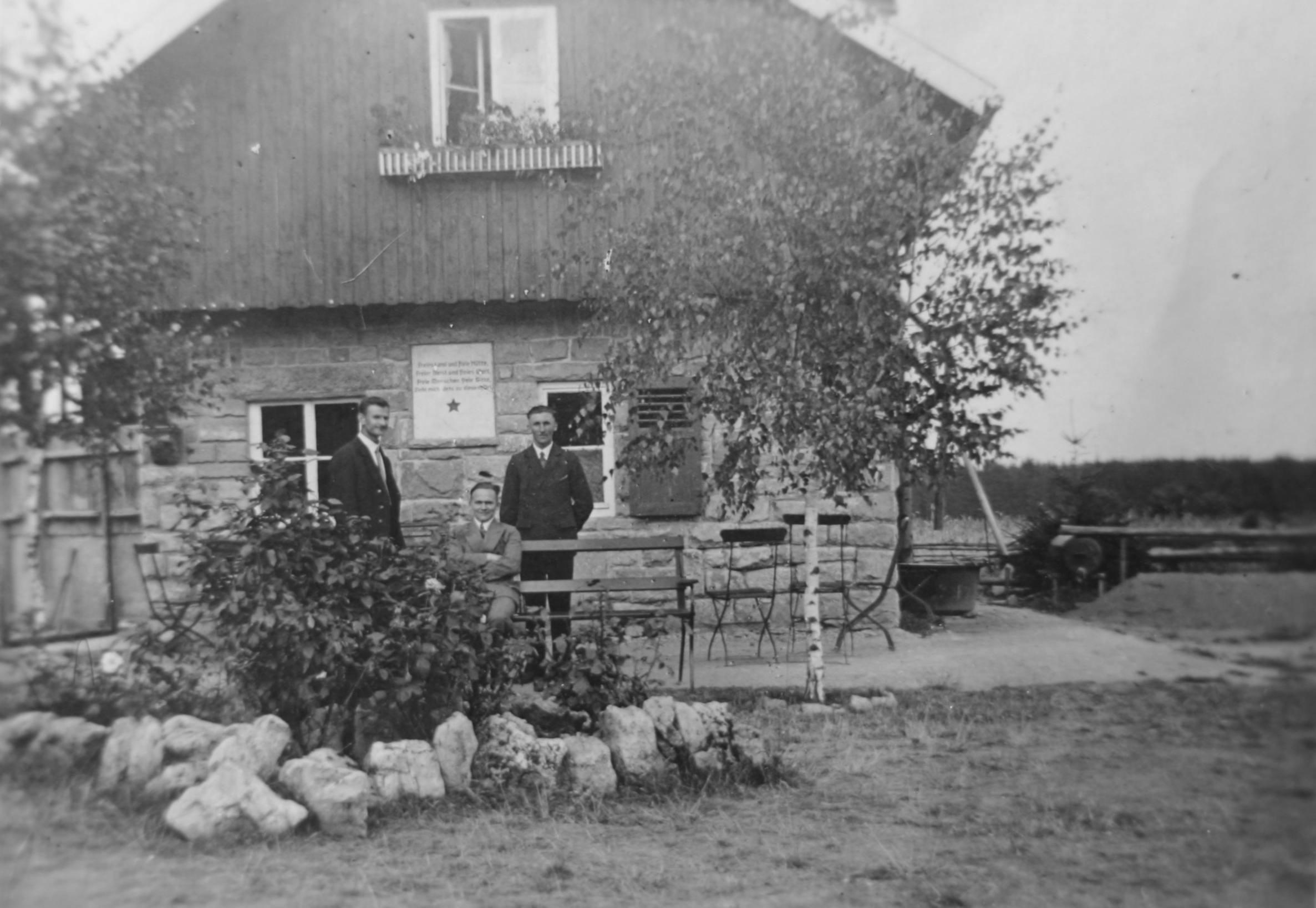 Ostseite des Erstbaus 1920